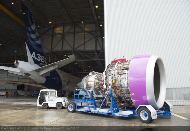 A350-1000_Rolls_Royce_engine_flying_test_bed_4-2
