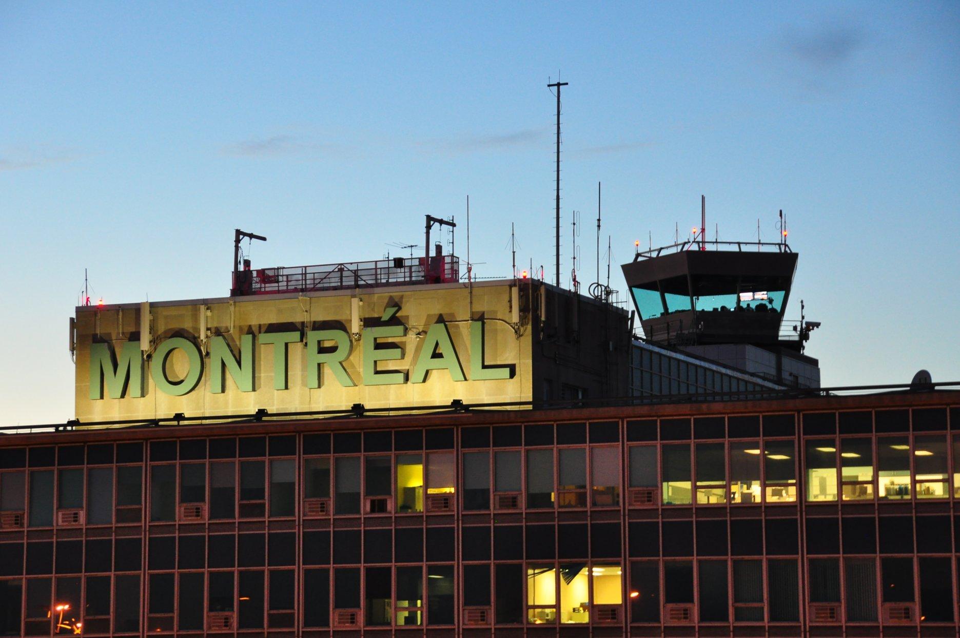 Aéroport_Montréal-Trudeau_YUL_(5394189689)_(2)
