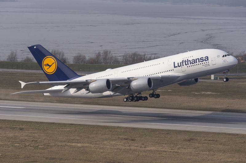 A380_LUFTHANSA