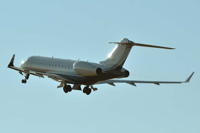 SE-RMT Global Express 6000 par aceebee sous (CC BY-SA 2.0) https://www.flickr.com/photos/aceebee/19899976886/ https://creativecommons.org/licenses/by-sa/2.0/