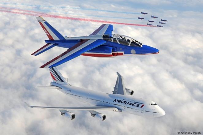 Boeing 747-400 Air France et patrouille de France - Air France (c) Antony Pecchi
