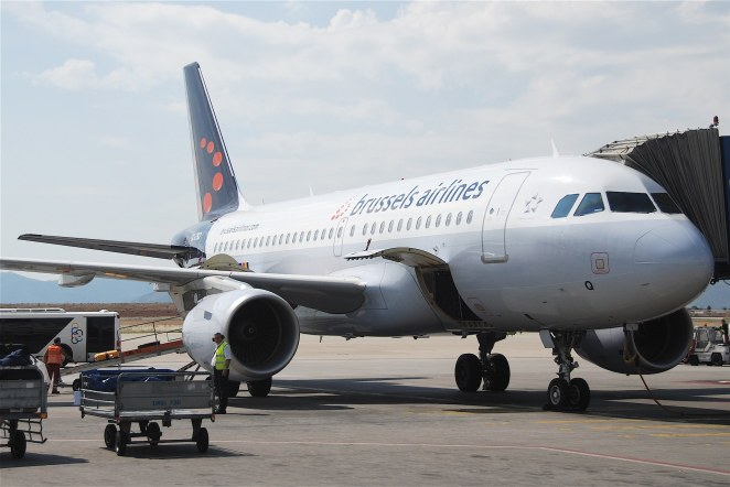 Brussels Airlines Airbus A319-111; OO-SSQ@ATH;12.06.2011/600ay par Aero Icarus sous (CC BY-SA 2.0) https://www.flickr.com/photos/aero_icarus/5833000250/ https://creativecommons.org/licenses/by-sa/2.0/
