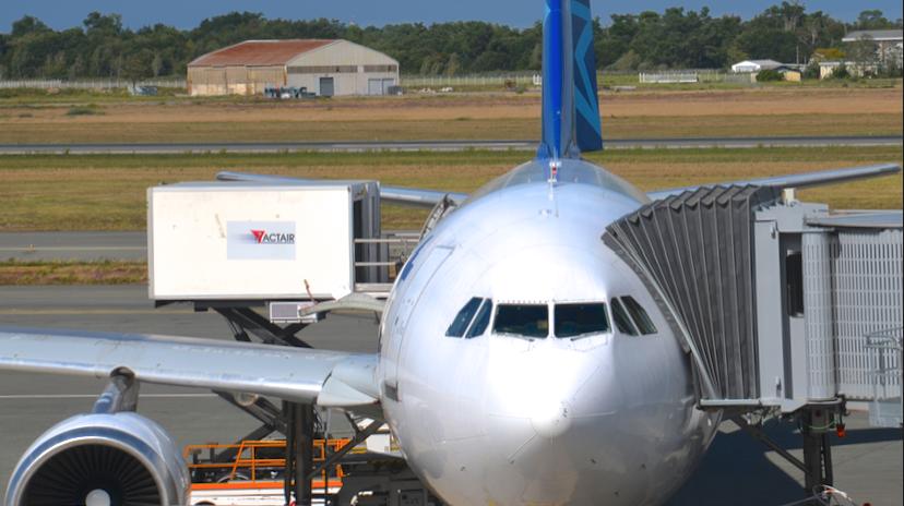 Air Transat Catering - A310 DOD (c) AAF_Aviation