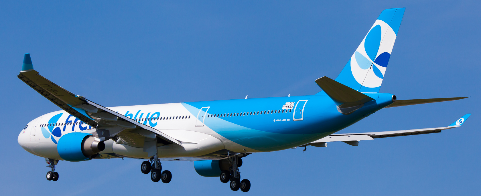Frenchblue Airbus A330-323 cn 1727 F-WWKA // F-HPUJ