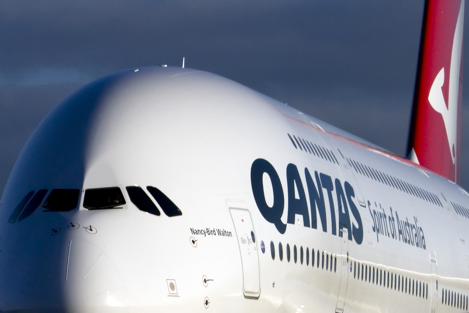 qantas_a380_20081014_06f par eosdude sous (CC BY-SA 2.0) https://www.flickr.com/photos/deangawler/2940840719/ https://creativecommons.org/licenses/by-sa/2.0/